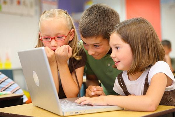 kids-laptop-fun